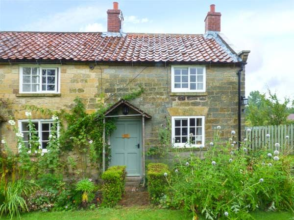 The Old Watchmakers Shop ( Ref 10354 ) Holiday cottage in Cropton North Yorkshire - One bedroom sleeps two people - Self catering accommodation in Cropton near Pickering