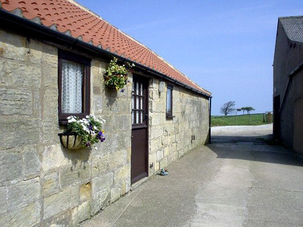 Abbey View Cottage ( Ref 1067 ) High Normanby holiday cottage sleeps 2 - Self catering accommodation near Robin Hoods Bay