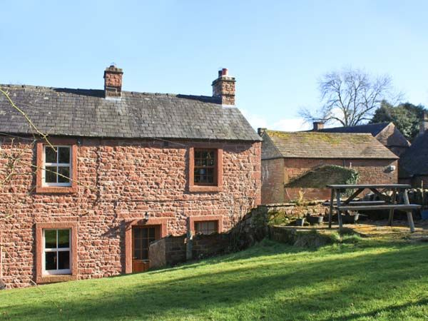 Lonnin Cottage Pet-Friendly Cottage, Glassonby, Cumbria & The Lake District (Ref 11661)