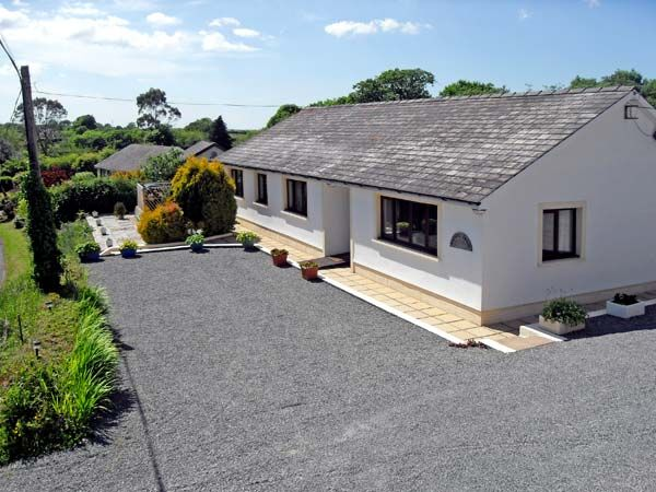 4 bedroom Cottage for rent in Narberth