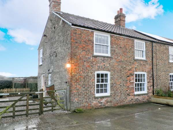 Close House Cottage Pet-Friendly Cottage, Easingwold, North York Moors & Coast (Ref 13784)