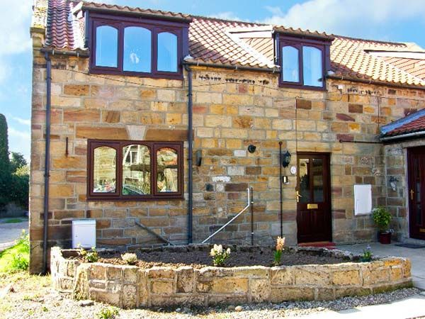 Barn Cottage Pet-Friendly Cottage, Hinderwell, North York Moors & Coast (Ref 14033)