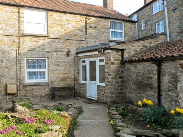 Daisy Cottage  Cottage, Kirkbymoorside, North York Moors & Coast (Ref 15378)