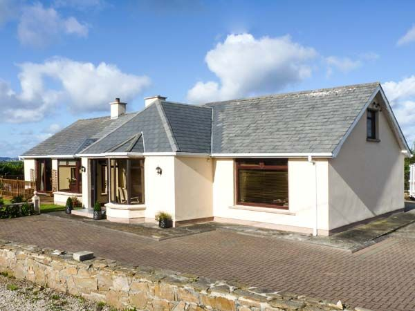 holiday let Derrybeg, County Donegal Strand Cottage
