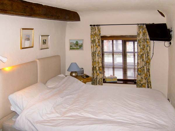 holiday let Sheringham Inglenook Cottage