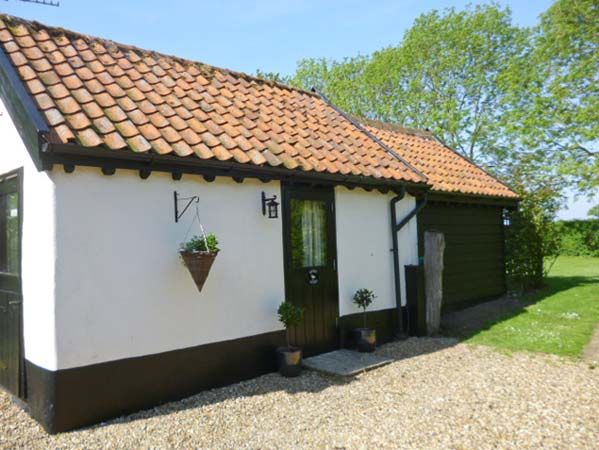 holiday let Pulham Market Garden Cottage