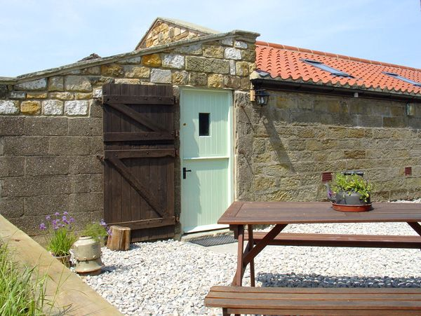The Goat Shed ( Ref 1813 ) Holiday cottage in High Normanby sleeps 2 - Self catering accommodation near Robin Hoods Bay