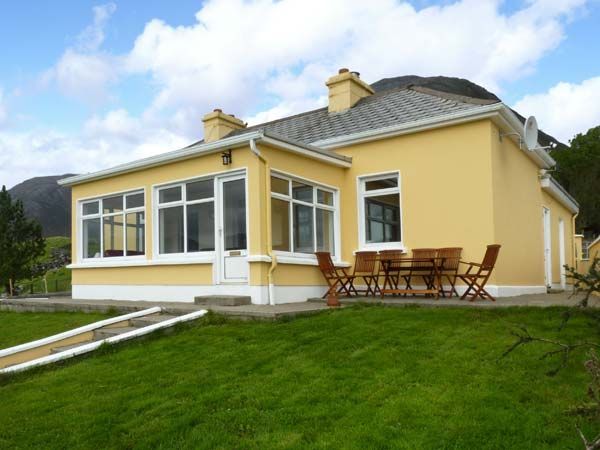 holiday let Recess, County Galway Illion Cottage