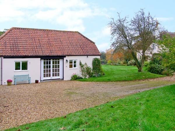 holiday let Okeford Fitzpaine Oke Apple Cottage