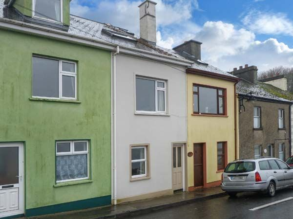 holiday let Roundstone, County Galway Quayside House