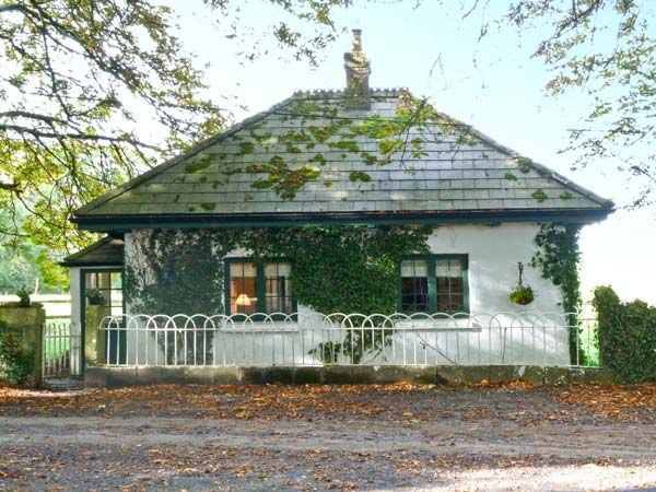 holiday let Headford, County Galway Lisdonagh Gatehouse