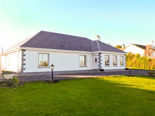 holiday let Oughterard, County Galway Dunnavilla House