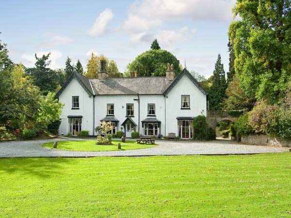 holiday let Bronygarth Brookside Manor House