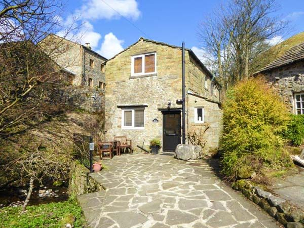 Mill Cottage Two Bedrooms Sleeps Three Guests - Holiday Accommodation in Buckden near Kettlewell North Yorkshire