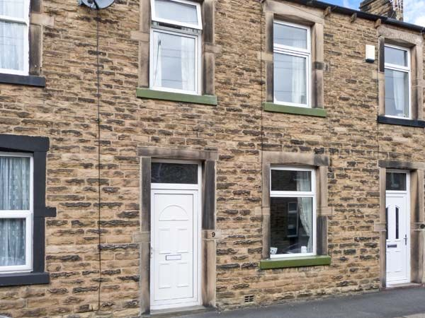 Lemongrass Skipton Holiday Cottage Three Bedrooms Sleeps Five People - Holiday Accommodation near Yorkshire Dales
