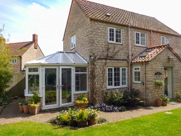 Castle View ( Ref 2779 ) Holiday cottage in Helmsley North Yorkshire sleeps 11