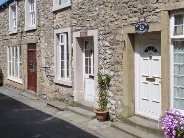 Bridle Cottage holiday accommodation in Settle in Yorkshire Dales Two Bedrooms Sleeps Four Guests