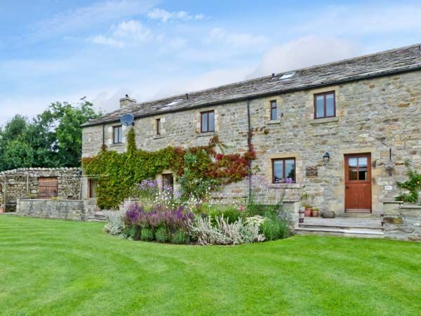 Gardale House ( Ref 28039 ) Holiday Cottage near Long Preston North Yorkshire sleeps 11 people