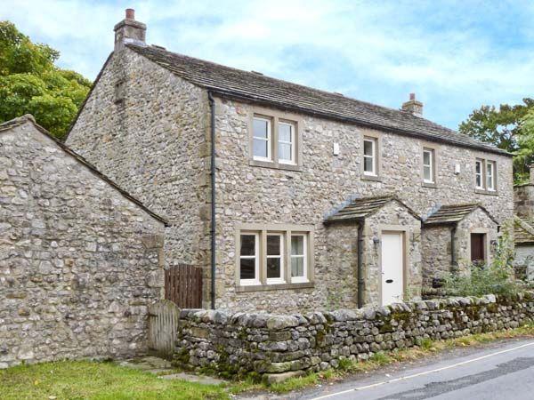Woodside Cottage ( Ref 28211 ) Holiday cottage in Malham North Yorkshire sleeps 4 Guests