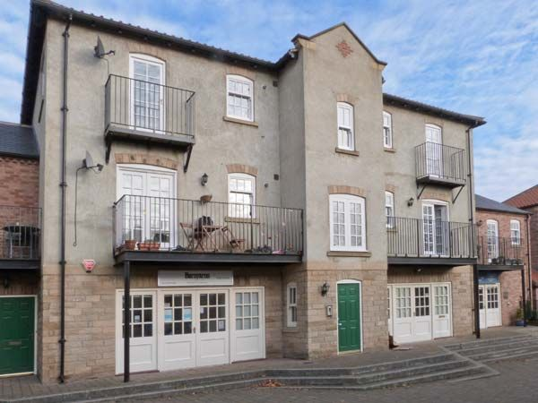 14B Canal Wharfe ( Ref 30469 ) Ripon holiday cottage sleeps 4 people - Rent self catering accommodation in Ripon City Centre