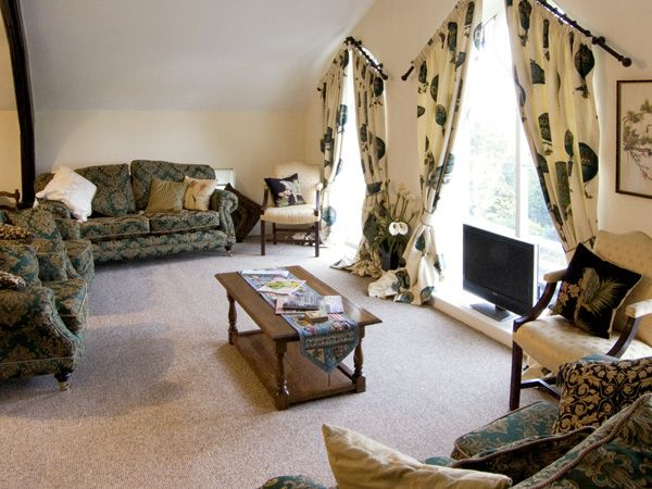 Image of Old Chapel Post House Masham ( Ref 3528 ) sleeps 10 guests - Holiday cottage in North Yorkshire