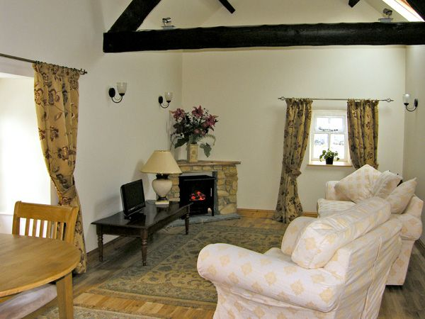 Barn Cottage ( Ref 3759 ) High Normanby holiday cottage sleeps 2 - Holiday home near Robin Hoods Bay