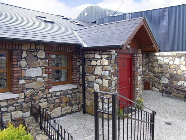 holiday let Ashford, County Wicklow No. 1 The Byre