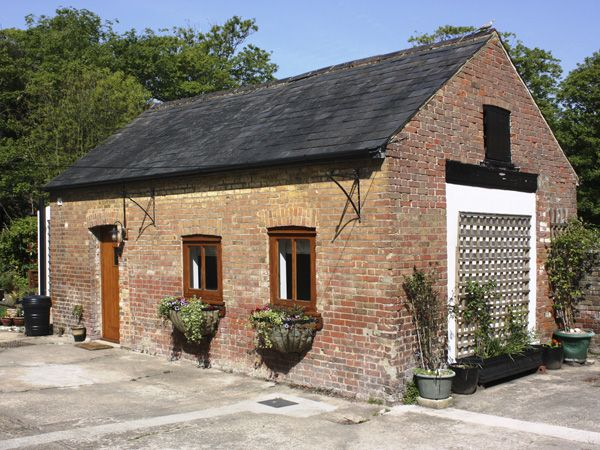 1 bedroom Cottage for rent in Herne
