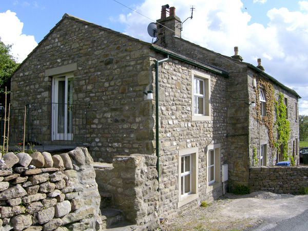 Carn Cottage ( Ref 3979 ) Holiday Cottage near Long Preston North Yorkshire sleeps 2 people
