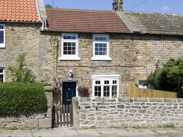 2 bedroom Cottage for rent in Stainton