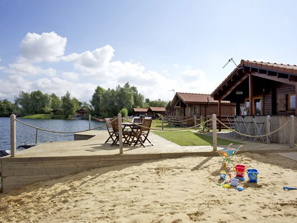 Tattershall Lakes Country Park, Tattershall, Lincolnshire Cottage