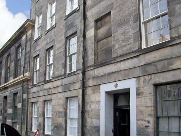 holiday let Edinburgh 35 Barony Street