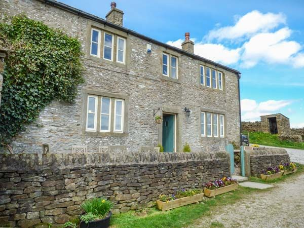 Street Head Farm, Lothersdale near Skipton Holiday Cottage Five Bedrooms Sleeps Ten People - Holiday Accommodation near Yorkshire Dales
