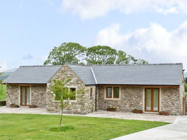 Routster Cottage ( Ref 8393 ) Holiday accommodation near Settle in Yorkshire Dales sleeps 4 guests