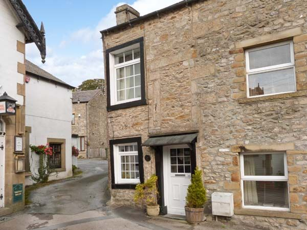 Photo of Black Horse Cottage ( Ref 916487 ) Self Catering Accommodation in Giggleswick near Settle North Yorkshire Dales area sleeps 3 people