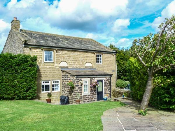 Chapel House ( Ref 91855 ) Cowling near Skipton - Holiday Cottage sleeps 12 People - Holiday Accommodation near Yorkshire Dales