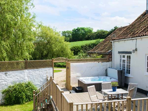 Derwent Cottage at Low Penhowe holiday cottages - Self catering accommodation in Burythorpe near Malton