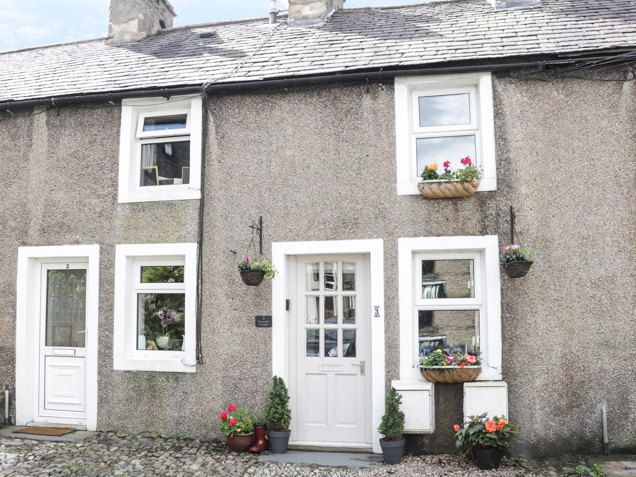 Honeypot Cottage ( Ref 929704 ) Holiday cottage in High Bentham North Yorkshire