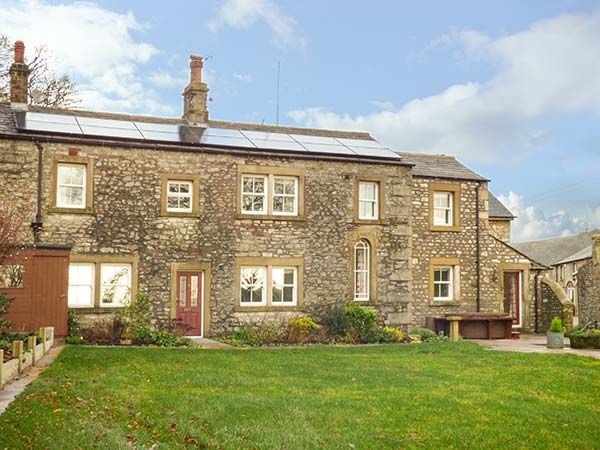 Old Hall Cottage ( Ref 929950 ) Holiday accommodation in Stackhouse near Settle in Yorkshire Dales sleeps 9 people