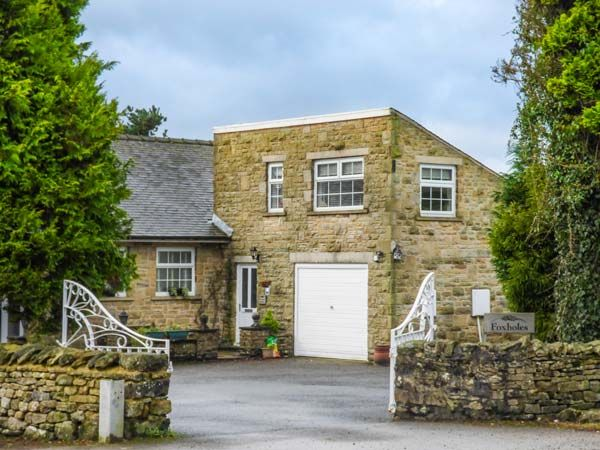 Foxholes Lodge ( Ref 932966 ) Holiday Accommodation in Giggleswick North Yorkshire sleeps 2 people