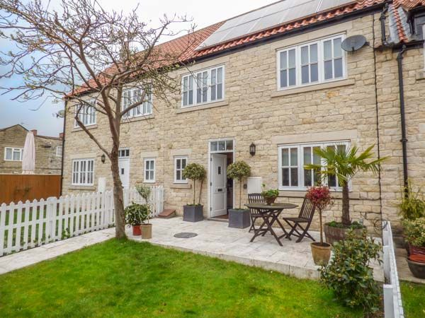 Mews Cottage ( Ref 933163 ) Self catering accommodation in Helmsley North Yorkshire holiday home in Ryedale