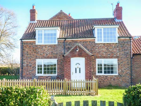 Lilac Farm Cottage ( Ref 933166 ) Yedingham holiday cottage sleeps 4 - Accommodation near Malton