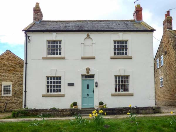 Rosedale House ( Ref 935228 ) Holiday cottage in Welburn near Malton sleeps 5 - Self catering accommodation in Ryedale