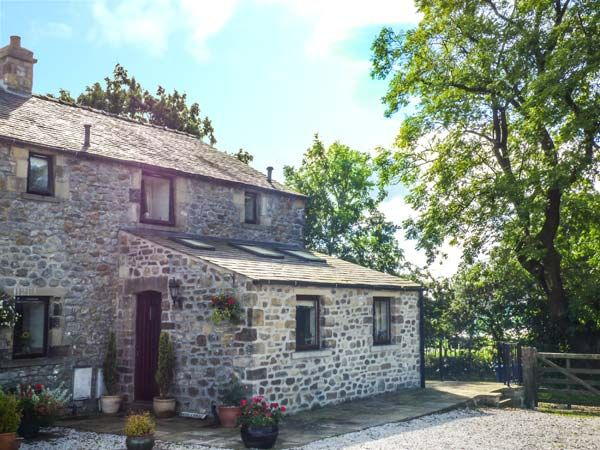 Woodlands Cottage ( Ref 914915 ) Wigglesworth holiday cottage sleeps 4 - Self catering accommodation near Giggleswick North Yorkshire