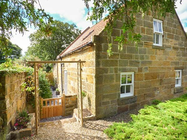 Photo of Quakers Cottage ( Ref 942487 ) Hinderwell holiday home sleeps 4 - Self catering holiday accommodation near Staithes North Yorkshire