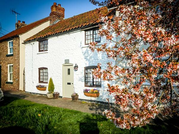 Clara's Cottage ( Ref 950877 ) West Lutton holiday cottage near Malton - Self catering accommodation in Ryedale area