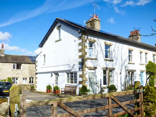 Dales Cottage ( Ref 953321 ) Holiday Accommodation in Threshfield North Yorkshire sleeps 7 guests