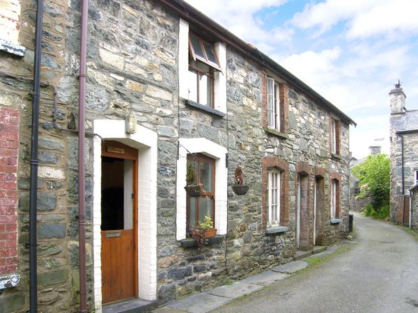 Welsh Holiday Cottages Llondy Romantic Cottage, Betws-Y-Coed, North Wales (Ref 955)
