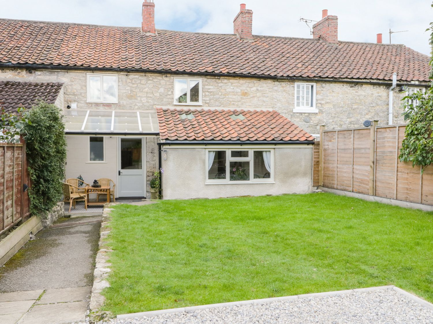 Photo of The Old Cartway ( Ref 964829 ) Rent Pickering holiday home sleeps 6 - Ryedale self catering accommodation in North Yorkshire