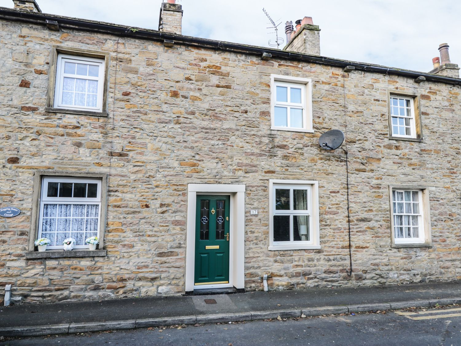 Riverstone Cottage ( Ref 969987 ) Gargrave near Skipton holiday cottage in Yorkshire Dales